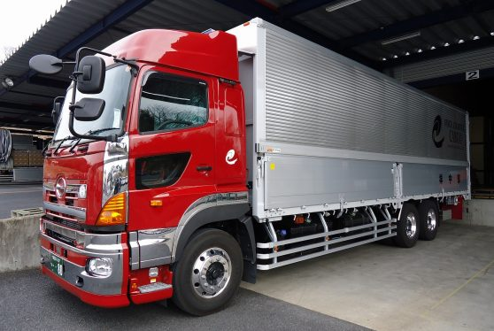 地場輸送 大型トラックドライバー